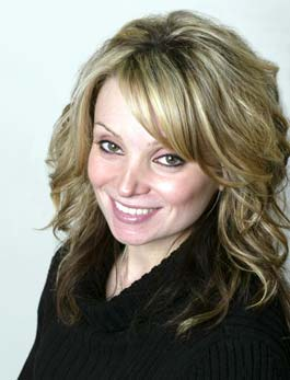 Jackie who is a registered dental assistant with the team at Distinctive Dentistry